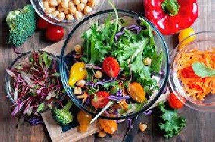 https://www.ragusanews.com//immagini_articoli/01-01-2021/dieta-detox-dopo-le-feste-cosa-mangiare-280.jpg