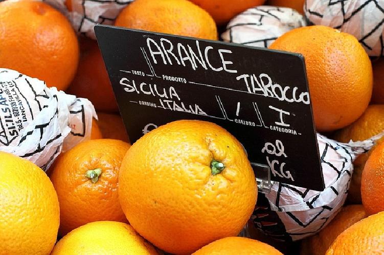 https://www.ragusanews.com//immagini_articoli/01-02-2016/olio-tunisino-e-arance-marocchine-il-pd-fa-traboccare-il-vaso-500.jpg