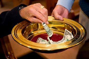 http://www.ragusanews.com//immagini_articoli/01-02-2018/rifiuta-offerte-centesimi-caso-finisce-diocesi-240.jpg