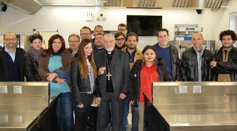 http://www.ragusanews.com//immagini_articoli/01-03-2014/a-ragusa-la-chiesa-fa-scuola-di-cucina-500.jpg