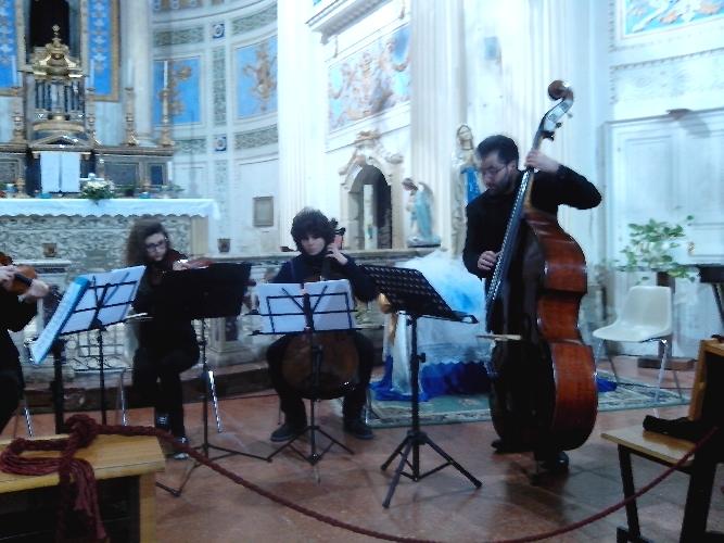 http://www.ragusanews.com//immagini_articoli/01-03-2015/concerto-di-ottoni-in-memoria-di-dario-campo-500.jpg