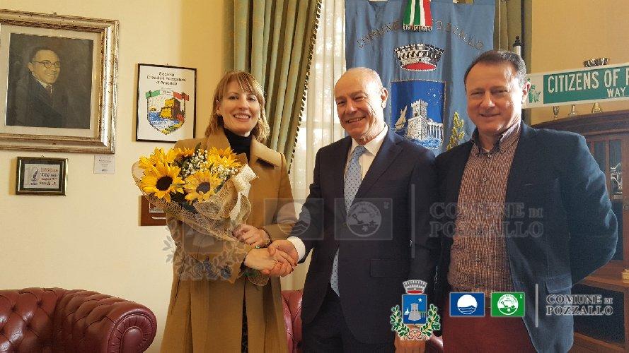 https://www.ragusanews.com//immagini_articoli/01-03-2018/ambasciatrice-regno-unito-pozzallo-500.jpg