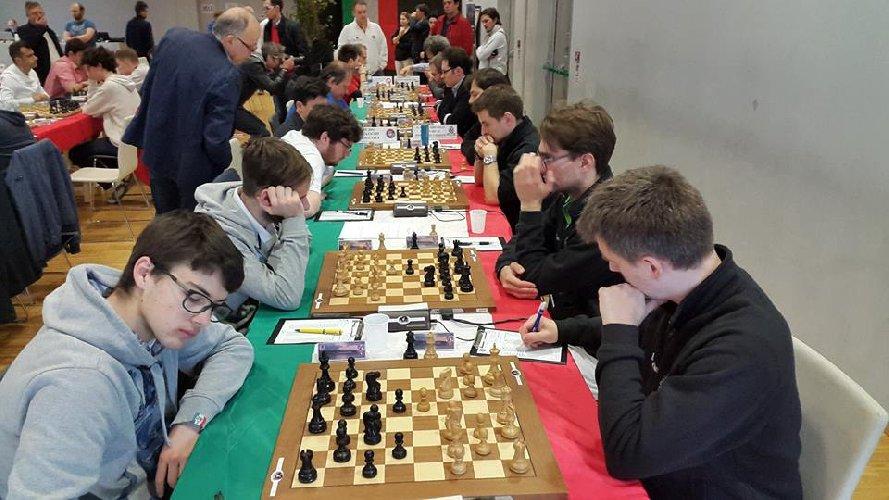 https://www.ragusanews.com//immagini_articoli/01-03-2018/ragusa-fasi-provinciali-campionati-scacchi-giovanili-500.jpg