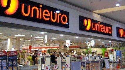 https://www.ragusanews.com//immagini_articoli/01-03-2019/unieuro-compra-negozi-expert-pistone-sicilia-240.jpg