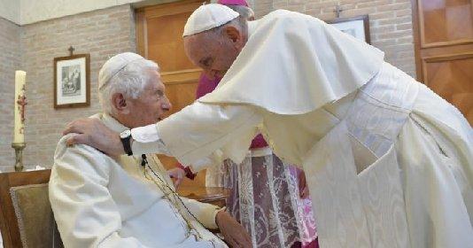 https://www.ragusanews.com//immagini_articoli/01-03-2021/ratzinger-il-papa-e-uno-solo-benedetto-prende-le-distanze-da-francesco-280.jpg