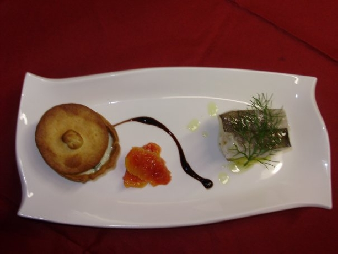 https://www.ragusanews.com//immagini_articoli/01-04-2010/menu-di-pasqua-ravioli-di-patate-con-salsa-di-zucca-gialla-500.jpg