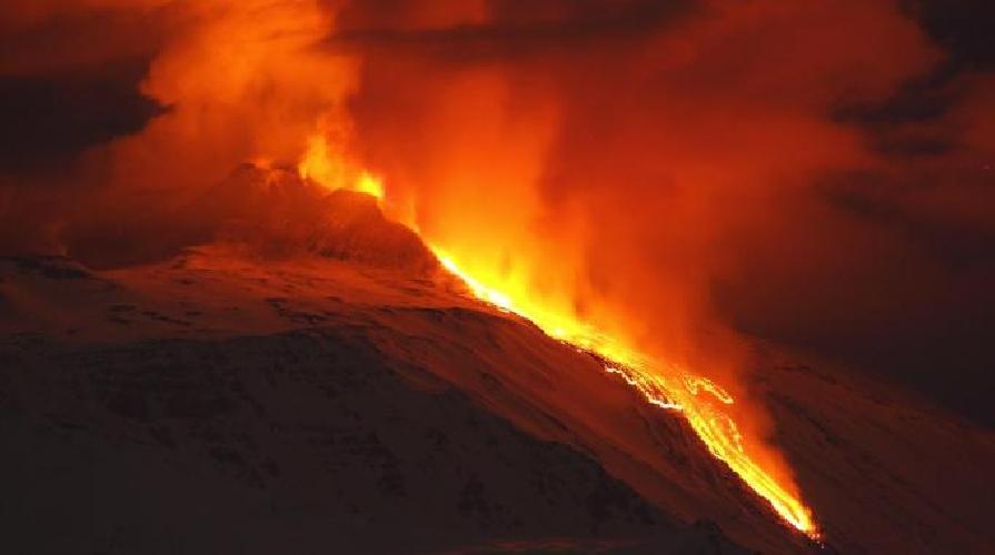 https://www.ragusanews.com//immagini_articoli/01-04-2012/buongiorno-etna-500.jpg