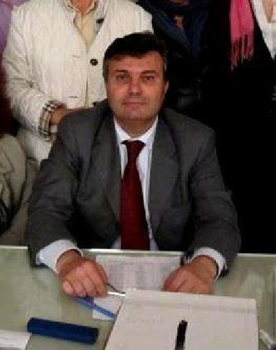 https://www.ragusanews.com//immagini_articoli/01-04-2015/caruso-lascia-il-consiglio-i-responsabili-hanno-occupato-il-potere-500.jpg