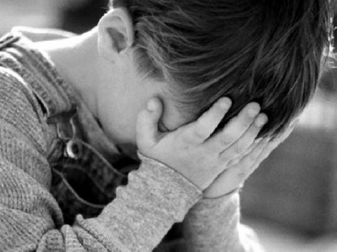 http://www.ragusanews.com//immagini_articoli/01-04-2015/due-bambini-violentati-da-un-altro-minorenne-500.jpg