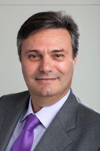 http://www.ragusanews.com//immagini_articoli/01-04-2015/si-e-dimesso-da-consigliere-il-capogruppo-pd-caruso-500.jpg