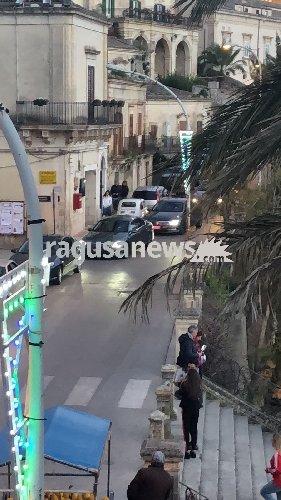 https://www.ragusanews.com//immagini_articoli/01-04-2018/premier-gentiloni-sera-pasqua-giorgio-modica-500.jpg