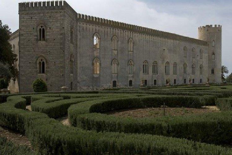 https://www.ragusanews.com//immagini_articoli/01-04-2019/orari-di-apertura-castello-di-donnafugata-500.jpg