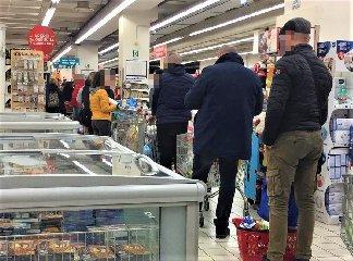 https://www.ragusanews.com//immagini_articoli/01-04-2020/quelli-che-tornano-al-supermercato-per-comprare-l-ammorbidente-240.jpg