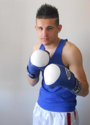 https://www.ragusanews.com//immagini_articoli/01-05-2012/boxe-bene-giovanni-reda-a-messina-500.jpg