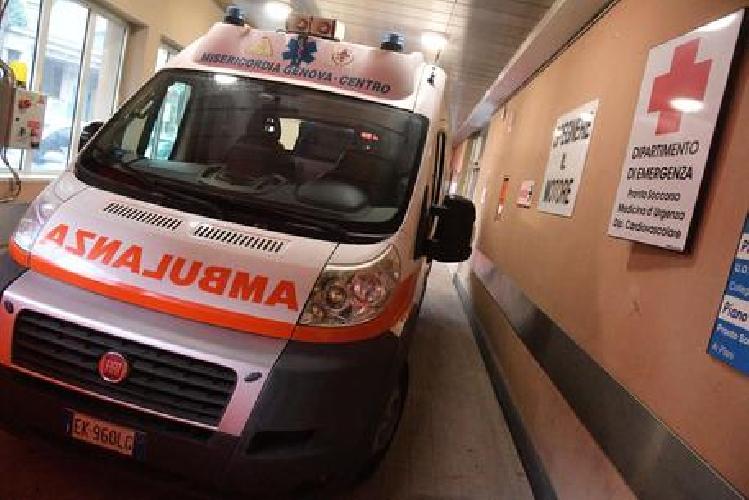 Paziente aggredisce dottoressa e infermiera al pronto soccorso
