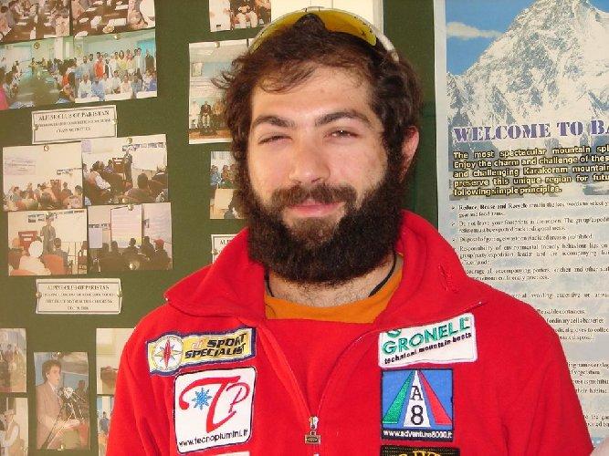 https://www.ragusanews.com//immagini_articoli/01-05-2018/originario-ragusano-alpinista-simone-terra-500.jpg