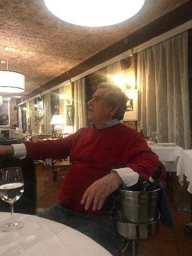 https://www.ragusanews.com//immagini_articoli/01-05-2018/piero-petrucci-barca-forte-marmi-storia-ristoratore-500.jpg