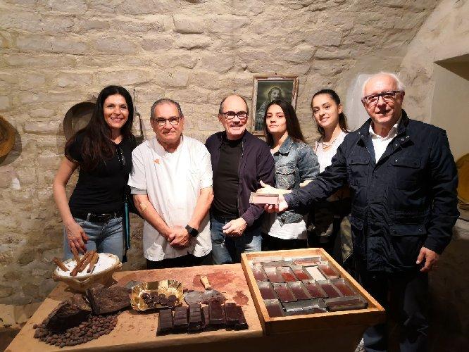 https://www.ragusanews.com//immagini_articoli/01-05-2018/procuratore-nazionale-antimafia-museo-cioccolato-500.jpg
