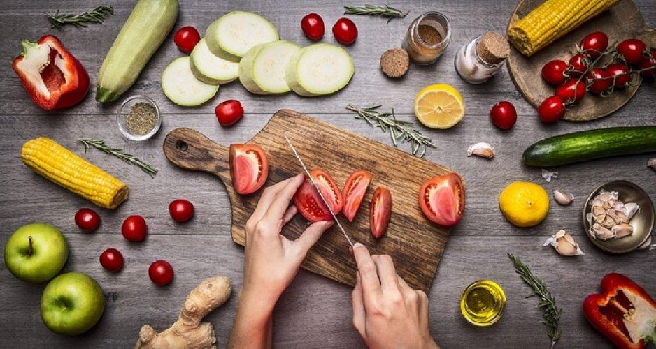https://www.ragusanews.com//immagini_articoli/01-05-2021/dieta-di-maggio-il-menu-settimanale-per-perdere-3kg-prima-dell-estate-500.jpg