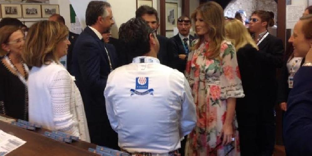 http://www.ragusanews.com//immagini_articoli/01-06-2017/fabio-luigi-melania-trump-preferisce-sindaco-modica-marito-500.jpg