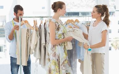 https://www.ragusanews.com//immagini_articoli/01-06-2017/offro-lavoro-commessa-fashion-store-240.jpg