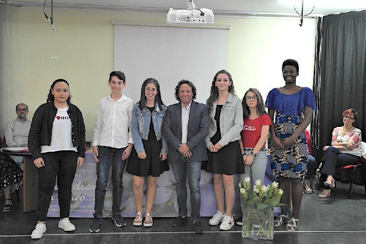 https://www.ragusanews.com//immagini_articoli/01-06-2018/michela-massari-vince-concorso-caro-diario-scrivo-500.jpg