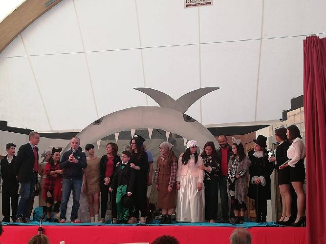 https://www.ragusanews.com//immagini_articoli/01-06-2019/agone-festival-teatro-scuola-premio-per-giovani-attori-pozzallesi-500.png