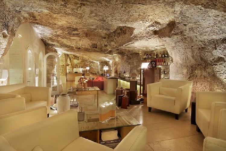 https://www.ragusanews.com//immagini_articoli/01-06-2020/ristorazione-riapre-la-locanda-don-serafino-a-ragusa-500.jpg