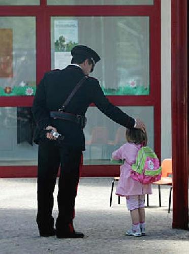 http://www.ragusanews.com//immagini_articoli/01-07-2014/coniugi-denunciati-per-abbandono-di-minori-500.jpg