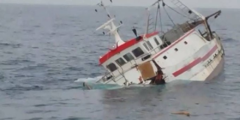 https://www.ragusanews.com//immagini_articoli/01-07-2016/peschereccio-affonda-marinaio-disperso-mentre-si-gira-un-film-500.jpg