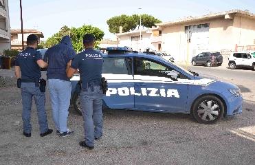 http://www.ragusanews.com//immagini_articoli/01-07-2017/ceffone-manda-ospedale-arrestato-240.jpg