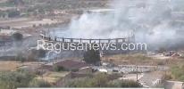 http://www.ragusanews.com//immagini_articoli/01-07-2017/terza-volta-incendiato-palaroma-comiso-100.jpg