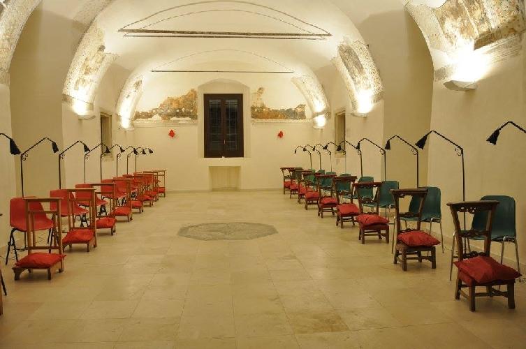 http://www.ragusanews.com//immagini_articoli/01-08-2015/scicli-aperto-il-confessionale-500.jpg