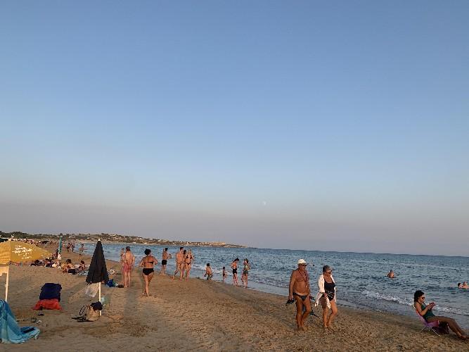 https://www.ragusanews.com//immagini_articoli/01-08-2020/domenica-2-agosto-attesi-37-gradi-in-sicilia-500.jpg