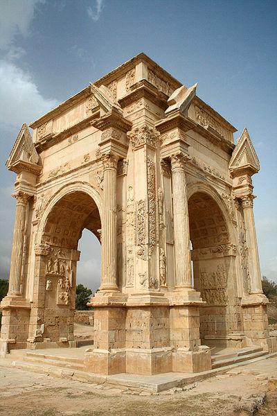 https://www.ragusanews.com//immagini_articoli/01-09-2014/1409570219-1-angelo-sgarioto-e-nino-divita-archeologi.jpg