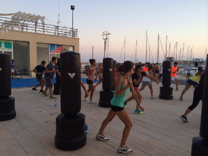 https://www.ragusanews.com//immagini_articoli/01-09-2014/fitness-al-porto-500.jpg