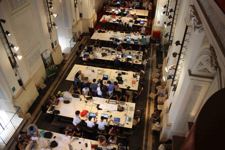 http://www.ragusanews.com//immagini_articoli/01-09-2014/tre-grandi-architetti-al-laboratorio-internazionale-di-chiaramonte-500.jpg