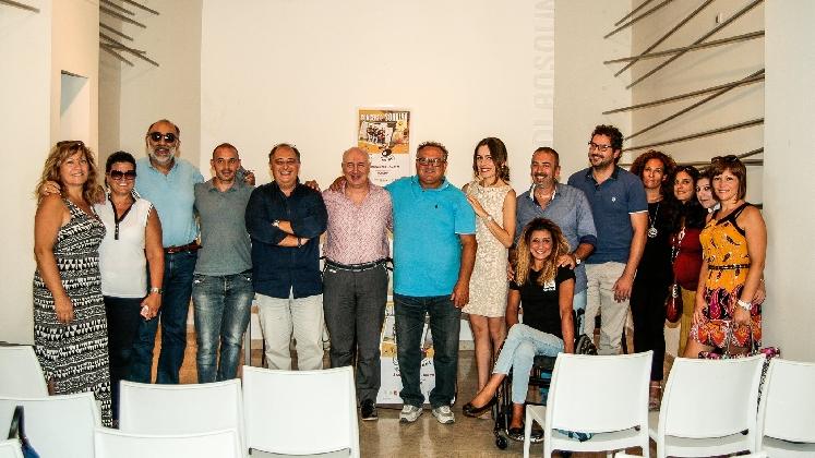 http://www.ragusanews.com//immagini_articoli/01-09-2016/rosolini-il-concerto-del-sorriso-420.jpg