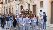 https://www.ragusanews.com//immagini_articoli/01-09-2016/vittoria-i-funerali-di-salvatore-gurrieri-100.jpg