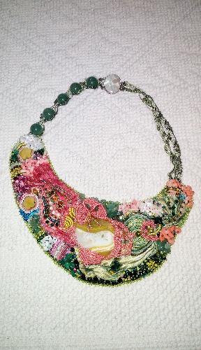 http://www.ragusanews.com//immagini_articoli/01-09-2017/jewelry-designer-spiaggia-montalbano-500.jpg