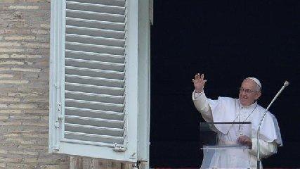 https://www.ragusanews.com//immagini_articoli/01-09-2019/papa-francesco-resta-chiuso-in-ascensore-25-minuti-pronti-i-cardinali-240.jpg
