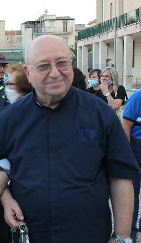 https://www.ragusanews.com//immagini_articoli/01-09-2020/1598972499-cambio-di-direttore-ai-salesiani-di-ragusa-1-500.jpg