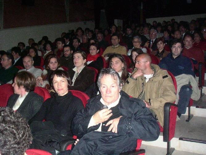 https://www.ragusanews.com//immagini_articoli/01-10-2012/peter-stein-scicli-quinta-scenica-naturale-500.jpg