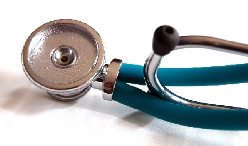http://www.ragusanews.com//immagini_articoli/01-10-2014/marina-di-ragusa-senza-medico-aspettiamo-il-morto-500.jpg