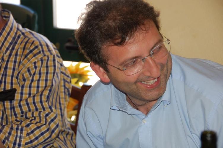 http://www.ragusanews.com//immagini_articoli/01-10-2014/si-e-dimesso-da-consigliere-il-preside-enzo-giannone-500.jpg