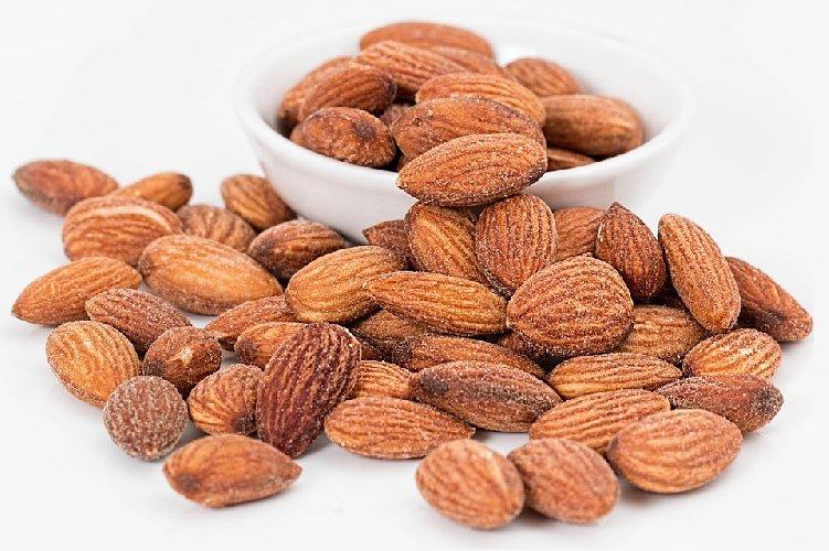 la frutta secca aiuta a perdere peso