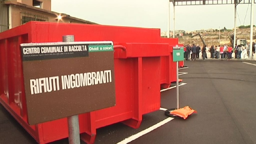 http://www.ragusanews.com//immagini_articoli/01-11-2017/ragusa-finanziati-cinque-centri-comunali-raccolta-500.jpg