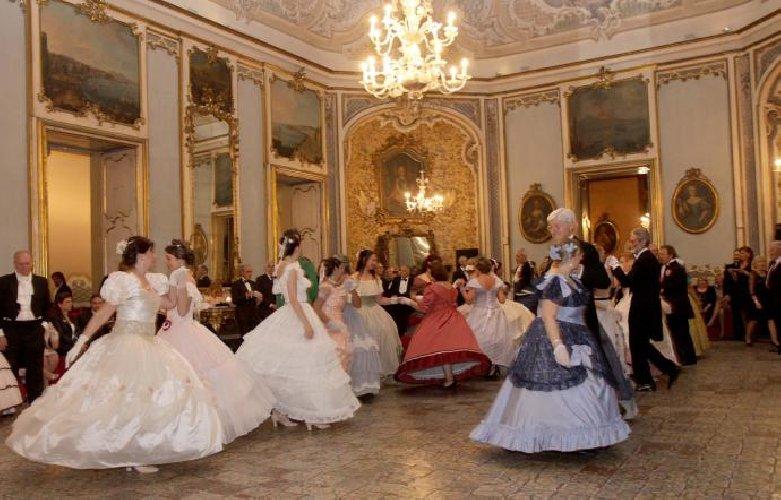 https://www.ragusanews.com//immagini_articoli/01-11-2018/tesori-apre-palazzo-biscari-catania-500.jpg