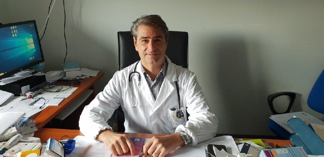 https://www.ragusanews.com//immagini_articoli/01-11-2019/gaetano-cabibbo-primario-di-medicina-a-modica-500.jpg