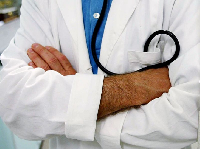 https://www.ragusanews.com//immagini_articoli/01-12-2010/la-regione-assume-3000-tra-medici-e-infermieri-500.jpg